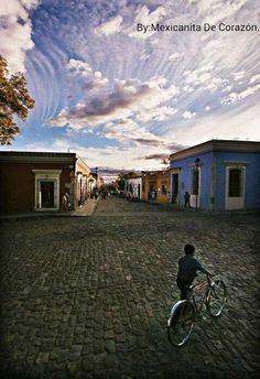 Las calles de mi bello y querido #Oaxaca, #México. Mexicanita De Corazón  Tour By Mexico - Google+