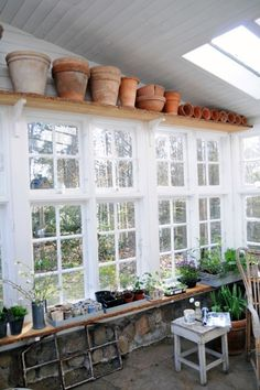 Winter garden of recycled windows/ Orangeri af gamle vinduer Garden Shed Interiors, Greenhouse Interiors, Gazebos, Greenhouse Plans, Potting Sheds, Glass House, Garden Planning, Outdoor Living, Home And Garden