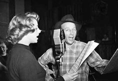 Rosemary Clooney, Bing Crosby... They just don't make singers/actors like that anymore.