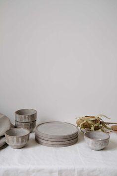 Le Printemps de Brutal Cermics | MilK decoration Decorative Bowls, Place Card Holders, Milk, Homes, Decoration, Grey, Ageless Beauty, Ceramics, Spring