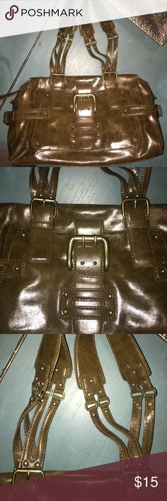 Nine West purse Cute purse. Never used. Price is negotiable so go ahead and make an offer! Nine West Bags