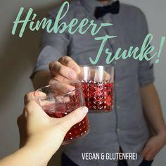 Wochenende! Dazu gibt es diesen leckeren [fruchtigen und leicht herben] Himbeer-Gin-Cocktail <3  #vegan #veganfood #foodie #party #rezepte #veganerezepte #drink #cocktail #longdrink #gin Berry, Shot Glass, Tableware, Vegan Dishes, 3 Ingredients, Raspberries, Vegan Recipes, Dinnerware, Dishes