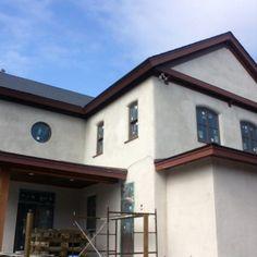 Новые старые технологии. Строительство ЭКО домов из костры и NHL lime Garage Doors, Mansions, House Styles, Outdoor Decor, Home Decor, Decoration Home, Manor Houses, Room Decor, Villas