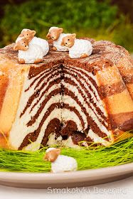 Babka zebra z białek White Wedding Cakes, Wedding Cakes With Flowers, Flower Cakes, Gold Wedding, Wedding Cake Designs, Wedding Cake Toppers, Easter Deserts, Easter Cake, Easter Food