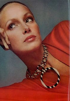 Karen Graham by Avedon November 1972. 1970s fashion   I looked up to her in all her Estee Lauder ads, so beautiful!