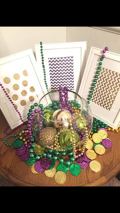 Mardi Gras Decor. Simple & cute