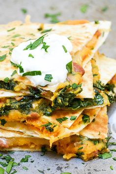 Sweet Potato, Pinto Bean and Kale Quesadillas Replace with non dairy cheese to make vegan Sweet Potato Recipes, Veggie Recipes, Mexican Food Recipes, Whole Food Recipes, Vegetarian Recipes, Dinner Recipes, Cooking Recipes, Healthy Recipes, Healthy Snacks