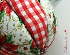 Bolas de Navidad caseras • Celebra con Ana Christmas Ornament Crafts, Holiday Crafts, Christmas Crafts, Christmas Decorations, Xmas, Hat Tutorial, Sewing, How To Make, Christmas Decor