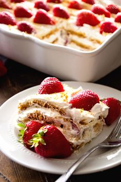 Strawberry Cheesecake Icebox Cake | Community Post: 23 No-Bake Desserts You Absolutely Have To Eat This Summer
