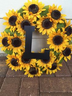 Fall Wreath Spring Wreath Summer Wreath Flower Wreath Fall Decor Sunflowers Yellow Wreath is part of Sunflower party The perfect chic summer, fall or spring wreath, on a hay base, filled with - Sunflower Room, Sunflower Party, Sunflower Baby Showers, Sunflower Wreaths, Sunflower Decorations, Sunflower Bathroom, Sunflower Crafts, Do It Yourself Organization, Fall Wreaths