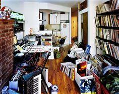 """""""Bedroom Rockers"""" – DJs and their Bedrooms / Livingrooms (16 Pictures)"""