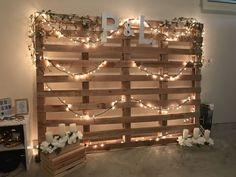 Dekoration hochzeit Acidophilus: To eat or not to eat Article Body: Who knows what acidophilus is. Engagement Party Planning, Engagement Party Decorations, Fall Engagement, Engagement Parties, Engagement Photos, Wedding Planning, Pallet Wedding, Diy Wedding, Rustic Wedding