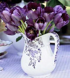 Beautiful vase and gorgeous tulips