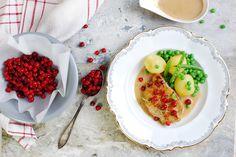 Kotletter i gräddsås med gröna grönsaker