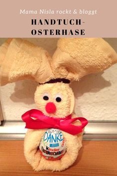 Osterhase aus Handtuch - tolles Ostergeschenk A great gift for Easter from a towel. Made easy. Easter Art, Easter Crafts, Easter Bunny, Origami Simple, Diy 2019, Easter Presents, Easter Games, Diy Gifts For Kids, Easter Traditions