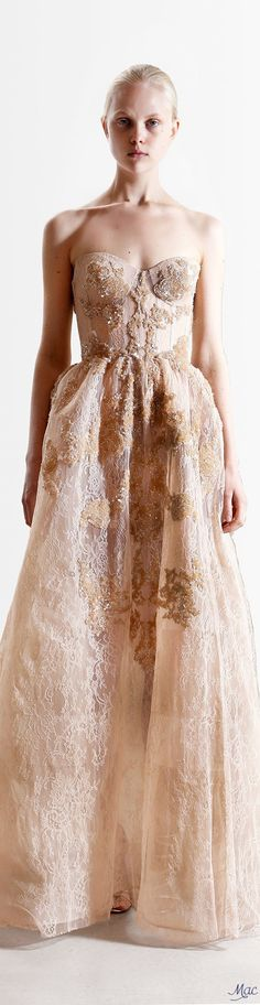 Reem Acra Resort 2017 Fashion Show Collection: See the complete Reem Acra Resort 2017 collection. Look 17 Fashion 2017, Couture Fashion, Runway Fashion, Fashion Show, Fashion Outfits, Stylish Outfits, Couture Dresses, Bridal Dresses, Wedding Gowns