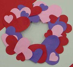 Heart Wreath Craft #DIY #Crafts #KidsCrafts #ArtsAndCrafts #ValentinesDay #Hearts #Wreaths