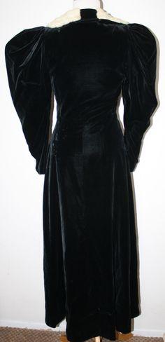 VINTAGE Victorian Look Black Velvet Ermine Trim Coat XS S   eBay