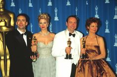 1995 Oscar winners for acting: Best Actor Nicolas Cage (Leaving Las Vegas), Best Supporting Actress Mira Sorvino (Mighty Aphrodite), Best Supporting Actor Kevin Spacey (Usual Suspects), Best Actress Susan Sarandon (Dead Man Walking) Academy Award Winners, Oscar Winners, Academy Awards, Best Actress Award, Best Actor, Harry Winston, Hollywood Icons, Hollywood Star, Oscars