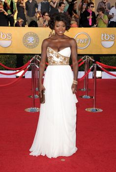 Viola Davis, her skin tone. That cut and material is stunning. What a entrance she made