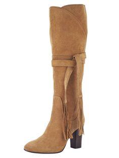 Hoch hinaus geht es in dieser Saison mit modischen Stiefeln. #Herbst #Stiefel