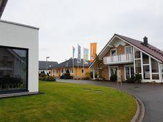 Unger-Park in Schkeuditz.  An der A9, Abfahrt Leipzig-West, im Gewerbegebiet Dölzig, Döbichauer Straße 13 (vis-a-vis/nova | eventis) 04435, Schkeuditz OT Dölzig. Tel: 034205 42174.  www.unger-park.de. #musterhaus #fertighaus #immobilien #eco #umweltfreundlich #hauskaufen #energiehaus #eigenhaus #bauen #Architektur #effizienzhaus #wohntrends #zuhause #hausbau #haus #design #ungerpark #leipzig