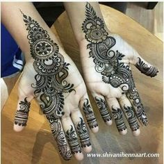 Pinterest : @cutipieanu Latest Arabic Mehndi Designs, Mehndi Designs Book, Finger Henna Designs, Mehndi Designs For Girls, Modern Mehndi Designs, Mehndi Design Pictures, Mehndi Designs For Fingers, Beautiful Henna Designs, Henna Tattoo Designs