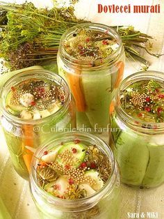 The colors of the dish: zucchini pickles Canning Pickles, Canning Jars, Canning Recipes, Zucchini Pickles, Pickled Zucchini, Canning Food Preservation, Great Recipes, Healthy Recipes, Best Probiotic