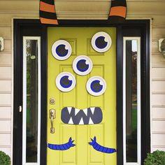 Cute & Creepy Monster Mash Halloween Door (via @eastcoastcreative).
