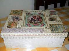 Caja con Decoupage , pintura, relueve, stencil costurero . Antigua, vintage