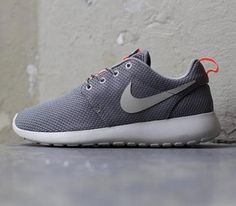 Nike Roshe Run Mercury Grey Atomic Pink