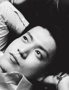 You Glow boy. Shun Oguri, Crows Zero, Japanese Love, Kudo Shinichi, Man Crush Monday, Live Action Movie, Tadashi, Korean Celebrities, Beautiful Eyes