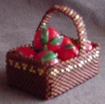 MINIATURE APPLE OR PICNIC BASKET
