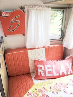 nice 50 Antique Diy Camper Interior Remodel Ideas You Can Try Right Now Trailer Interior, Camper Interior, Diy Camper, Shasta Trailer, Shasta Camper, Vintage Travel Trailers, Vintage Campers, Camper Flooring, Camper Repair