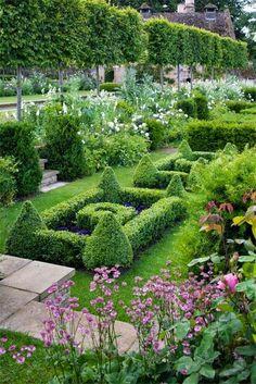 French Parterre Garden | Backyards Click
