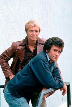 """Starsky and Hutch"" David Soul, Paul Michael Glaser - Lee Ann Pepper - Deep Nostalgia Movies And Series, Tv Series, Tv Sendungen, Tv Vintage, Tv Retro, Paul Michael Glaser, Starsky & Hutch, David Soul, Plus Tv"