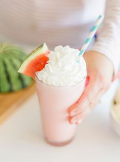 Watermelon Milkshake Easy Summer Desserts, Summer Treats, Pink Punch Recipes, Pink Champagne Cake, Vanilla Frosting, Vanilla Cake, Milk Ice Cream, Milkshake Recipes, White Cake Mixes