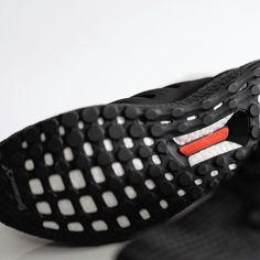 adidas UltraBOOST Herren-/ Frauenschuh schwarz
