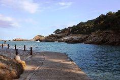 Aiguafreda. Begur. Lugares con encanto. Playas de Begur. www.caucharmant.com