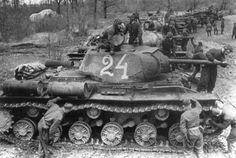 КВ-1С №-24. 6-го грардейского тп прорыва KV- 1C №- 24 . 6th grardeyskogo m breakthrough