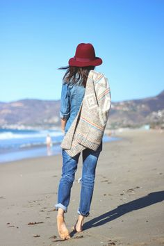 Perfect outfit for the beach // Love the burgundy  hat mixed with denim <3
