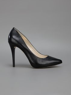 MICHAEL MICHAEL KORS - pointed stiletto pump 6...haha! found them!
