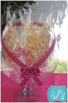 Paal Uh. Mesas de Postres & Snack's. Mesa de Baby Shower, fuente de chocolate & fuente de chamoy, bocadillos dulces & salados... Candy Bar. Pink & Fucsia.