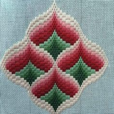 Discover thousands of images about Resultado de imagen para rose au bargello avec bordure ouvrageé Motifs Bargello, Broderie Bargello, Bargello Patterns, Bargello Needlepoint, Crochet Motifs, Needlepoint Patterns, Needlepoint Canvases, Embroidery Designs, Crewel Embroidery Kits
