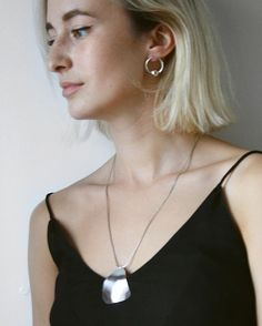 Orb Earrings and Large Trine Necklace in silver 🐚