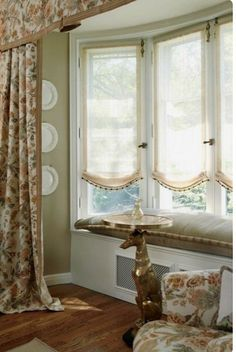 choosing the right window treatment for bay windows can overwhelm homeowners fortunately there are many options that work for bay windows