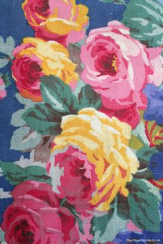 A superb 1930s Linen Fabric adorned with Spectacular Roses: www.vintage-home.co.uk