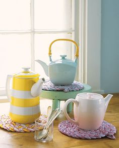 How to dye and braid your own trivet with pink ticking fabric.  Cute!  Thanks Martha Stewart.
