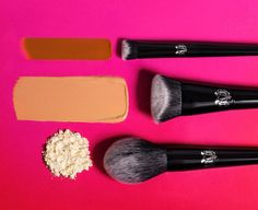 Kat Von D Lock-It Blotting Powder Compact Is About to Become a Purse Staple