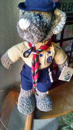 Un lobato mas.. #scout #oso #crochet  http://eltallerdesahiel.blogspot.mx